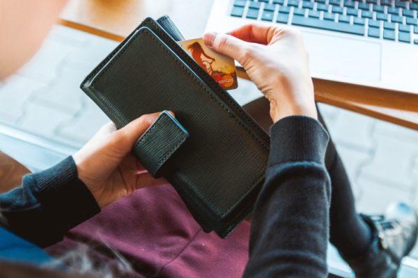 wallet 2125548_1920