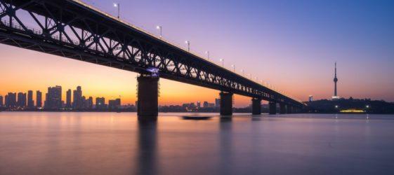 wuhan-yangtze-river-bridge-2975423_1920