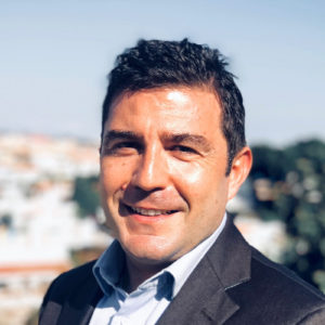 Julio Leal is the Localization Manager at Ciena, where he oversees the strategy and operations of their global localization strategy.